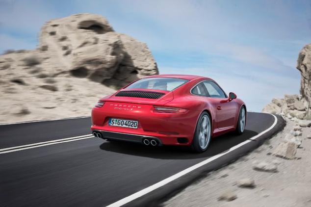2017-porsche-911-carrera-s-rear-in-motion
