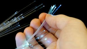 Consiguen hacer volar la fibra a 1 Tbps de velocidad