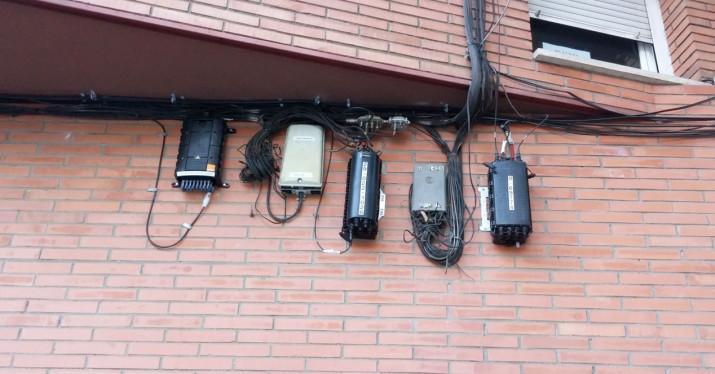 Qu hacer cuando un vecino se opone a poner fibra en tu edificio - Poner linea telefonica en casa ...