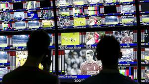 Detenidos por ofrecer televisión de pago en abierto a 3000 abonados
