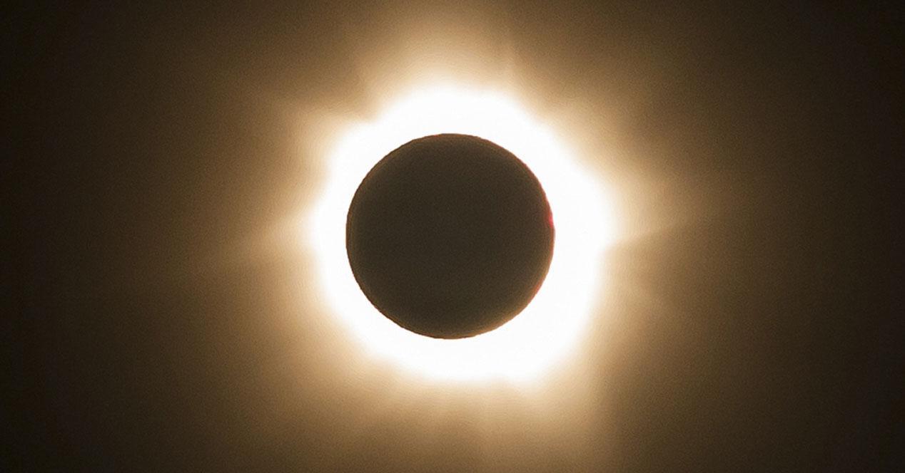 eclipse solar internet