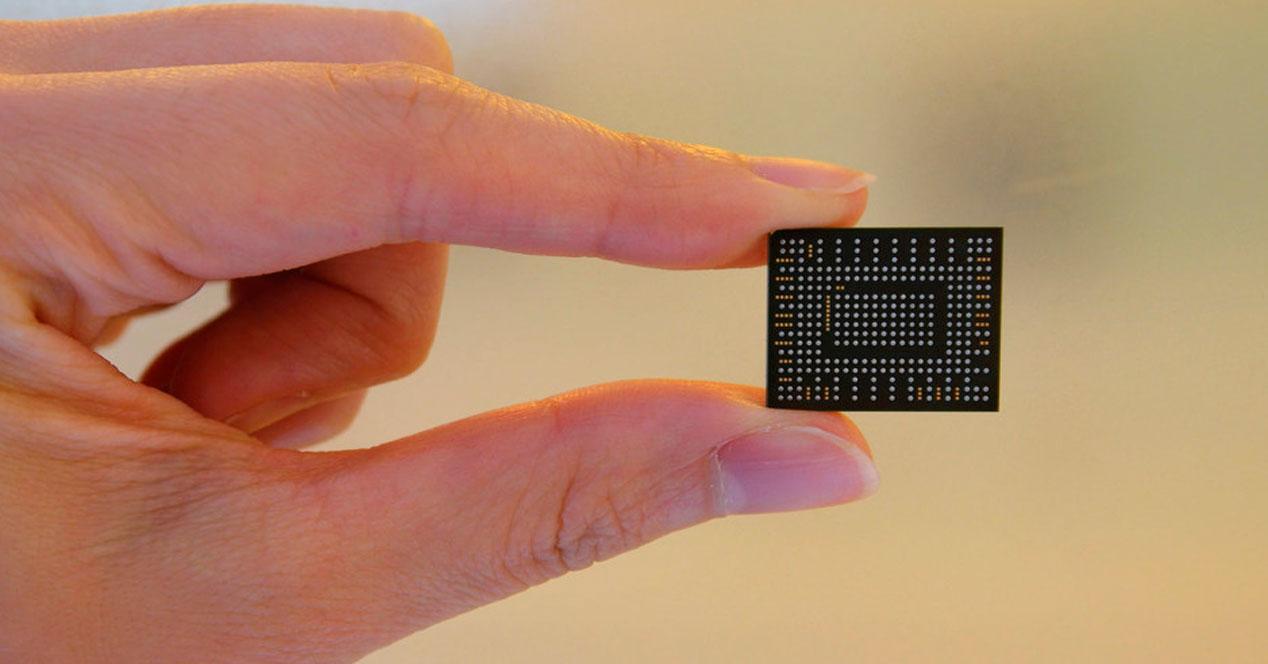 Así es el nuevo SSD ultra compacto de Samsung que pesa sólo 1 gramo