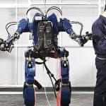 """Hyundai presenta su """"traje de Iron Man"""" para levantar grandes pesos sin esfuerzo"""