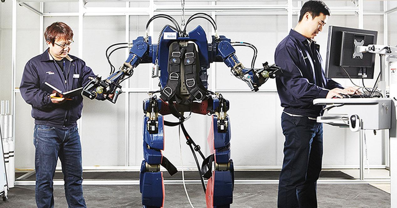 operarios robot hyundai