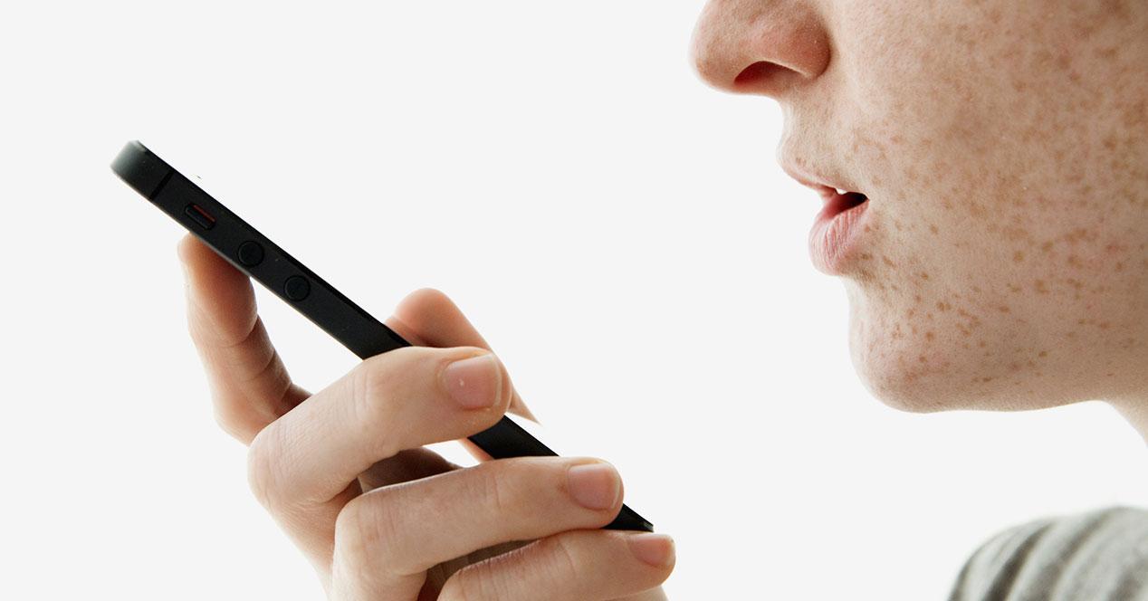 siri-talking-iphone