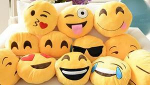 WhatsApp se actualiza con emoticonos gigantes