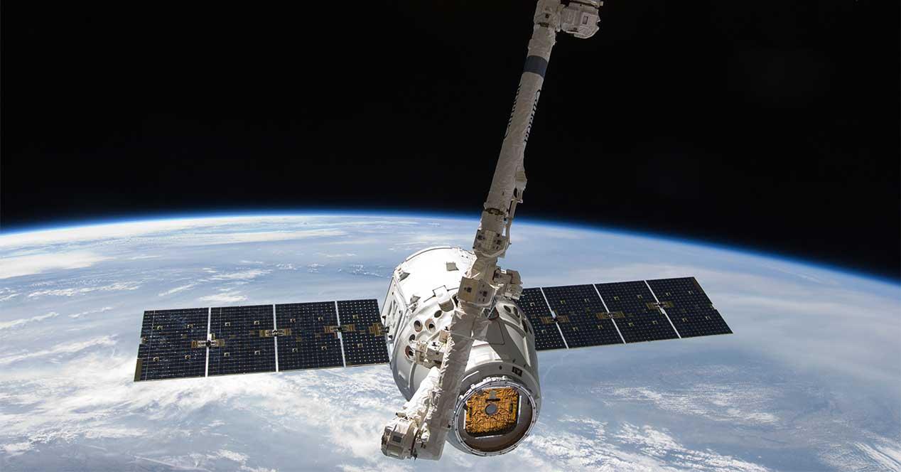 panel solar espacio