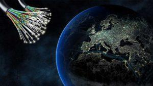 ¿Por qué Reino Unido destina 450 millones a mejorar la fibra óptica y España sólo 83?