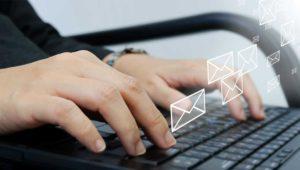 Cómo enviar un correo electrónico desde la línea de comandos