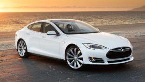 Tesla impide al hacker del iPhone y la PS3 comprar un Tesla Model S por miedo