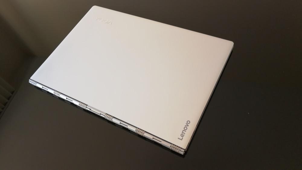 Lenovo Yoga 910 cerrado