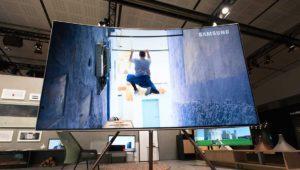 Samsung TV PLUS llega a España: películas 4K HDR para luchar con Netflix