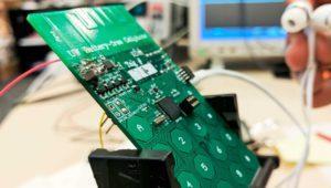 Este teléfono móvil puede hacer llamadas sin batería