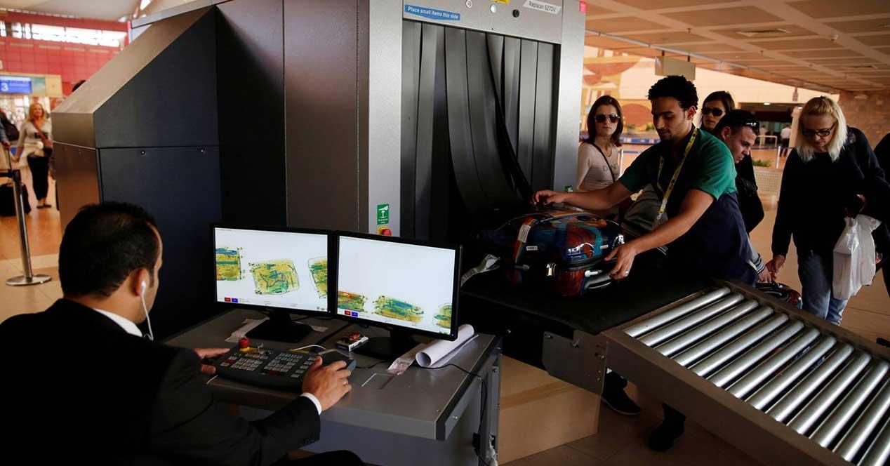 aeropuerto-control dispositivos electrónicos