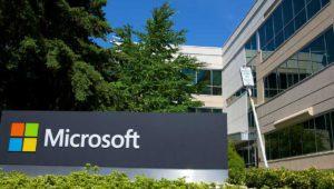 Microsoft vende menos Surface pero se salva gracias a la nube