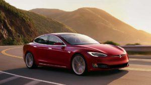 Tesla dio más autonomía a sus coches (de forma remota) para huir del Huracán Irma