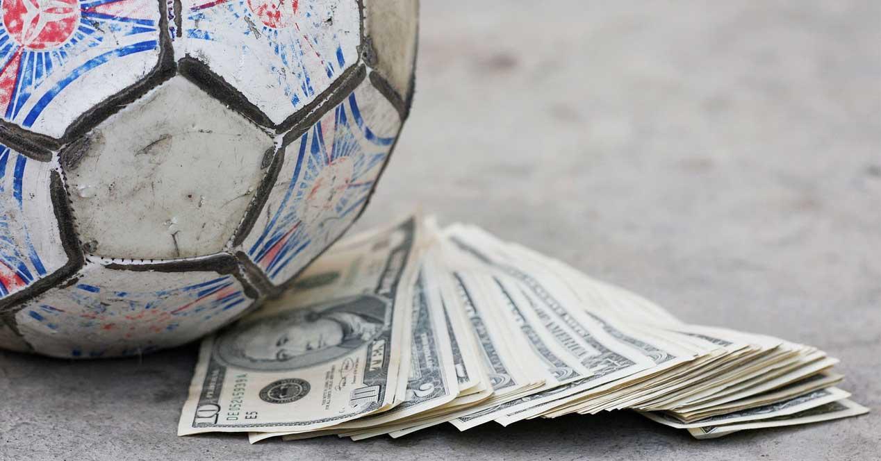 Ver noticia 'Noticia 'El futbol es insostenible para los operadores, más de 1300 millones pagados en 2016''
