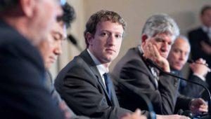 Internet está controlado por Zuckerberg, 'el mayor dictador del planeta'
