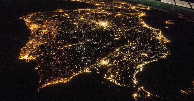 españa por la noche desde el espacio