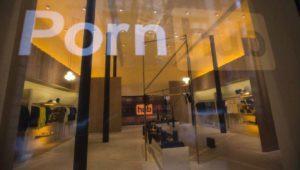 Pornhub ha abierto una tienda física con una cama… que emite en su web en streaming