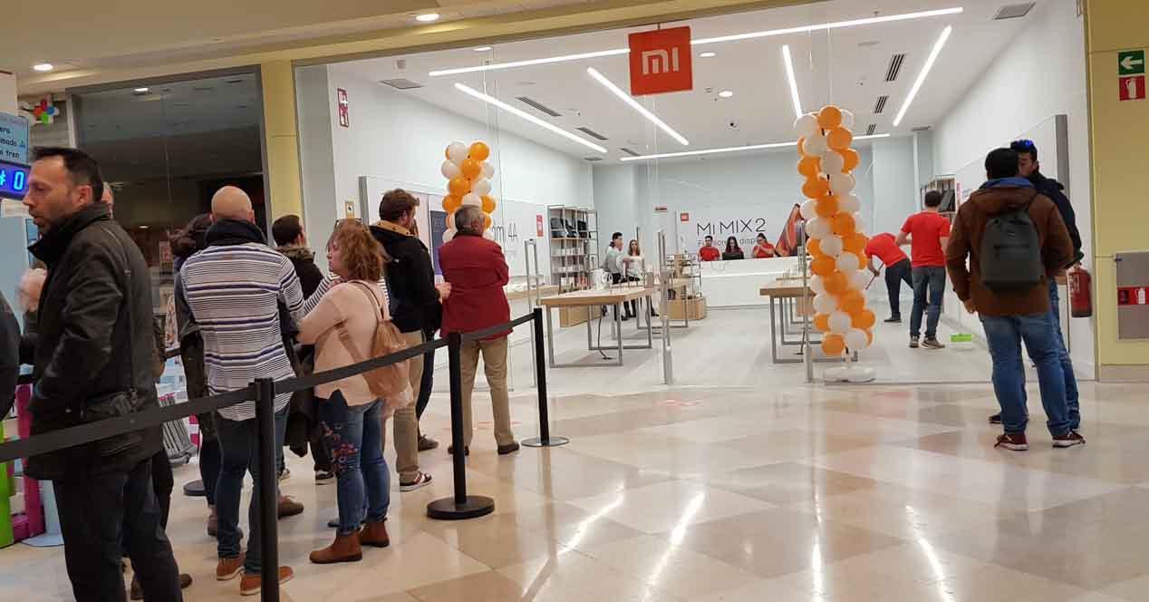 Abre Xiaomi en España: así ha sido el estreno de sus tiendas físicas