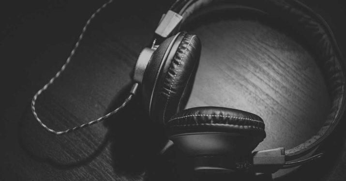 auriculares música piratería