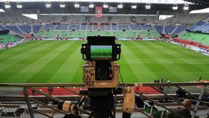 Por qué el fútbol por Internet y el streaming de deportes llevan retraso en la emisión