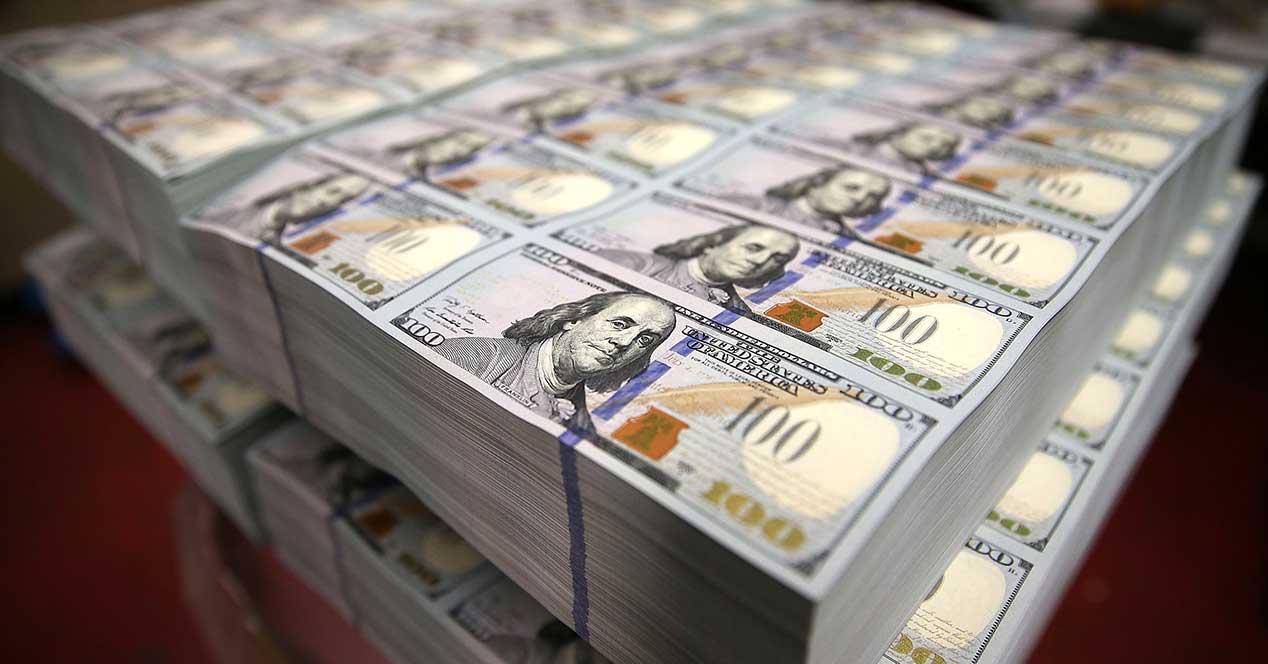 dinero dolares robo