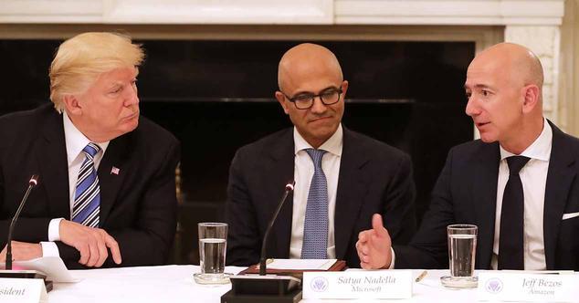 Ver noticia 'Trump reabre su cruzada contra Amazon acusándoles del cierre de miles de negocios'