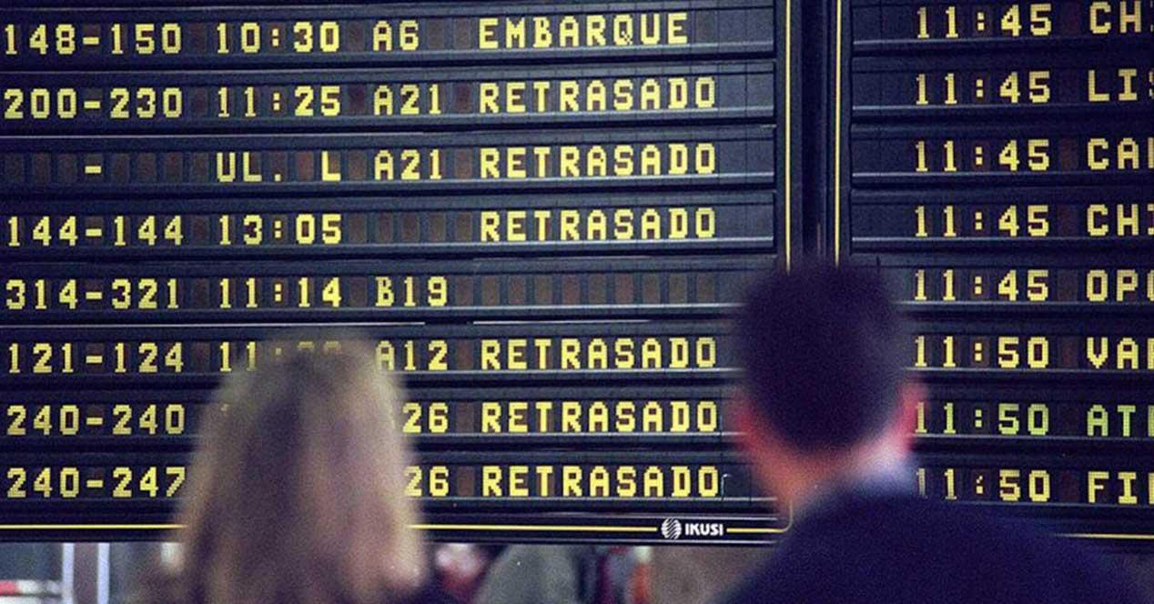 avion vuelos retrasado