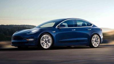 Tesla congela la producción del Model 3, una vez más
