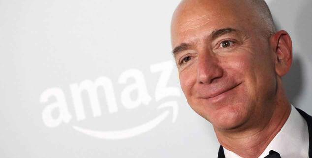 Ver noticia 'El fundador de Amazon quiere construir fábricas en la Luna'