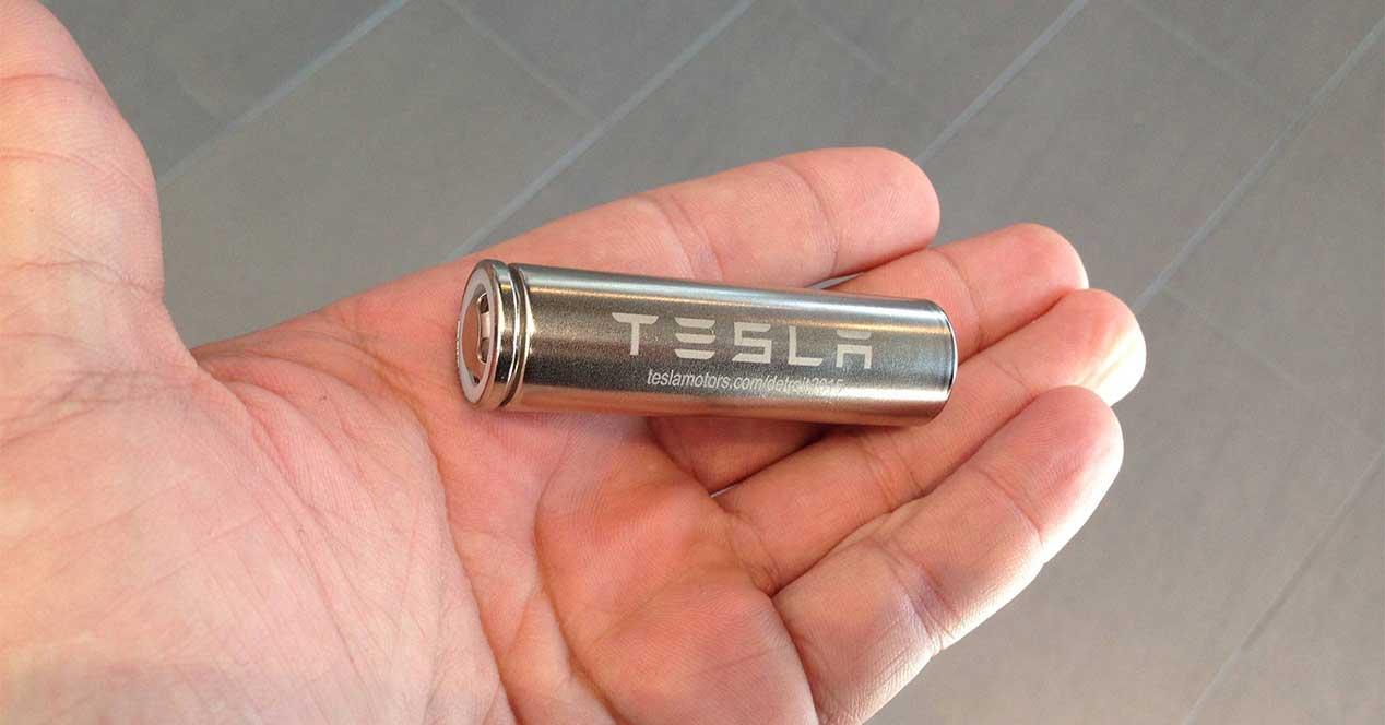 tesla bateria panasonic