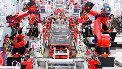 Elon Musk estará (casi) 24/7 en la fábrica del Model 3 para resolver los últimos problemas