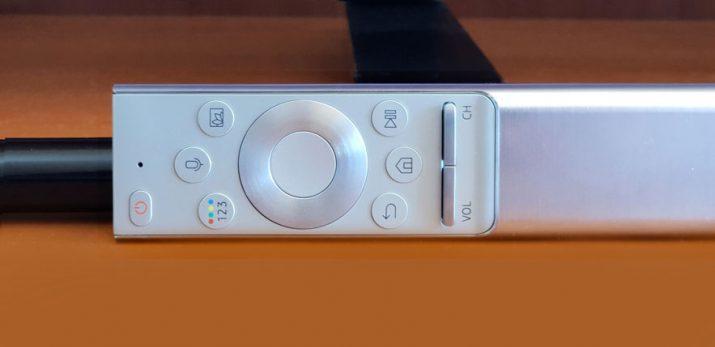 Samsung QLED 9F mando