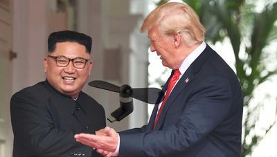 Analizan si los ventiladores USB de la cumbre de Trump y Kim Jong-un espiaban a periodistas