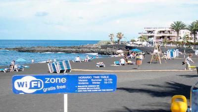 Todas las playas con WiFi gratis en España este verano