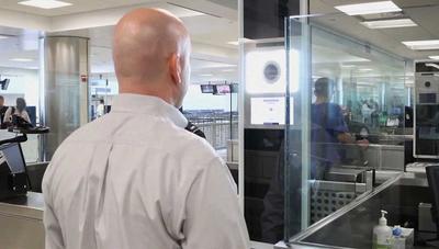 El reconocimiento facial de los aeropuertos funciona: pillan al primer falsificador