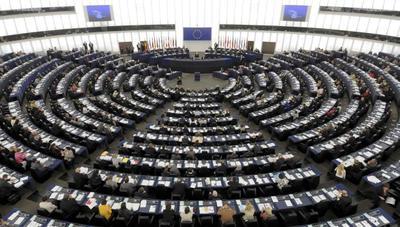 Europa multará a partidos políticos que abusen de datos personales para evitar otro 'Cambridge Analytica'
