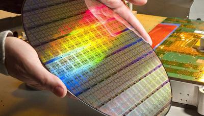GlobalFoundries abandona la producción de los 7 nm: AMD se lleva sus CPU y GPU a TSMC
