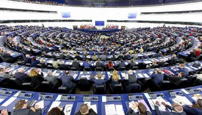A favor, en contra y abstenciones: esto es lo que votaron los partidos españoles sobre la ley europea de Copyright