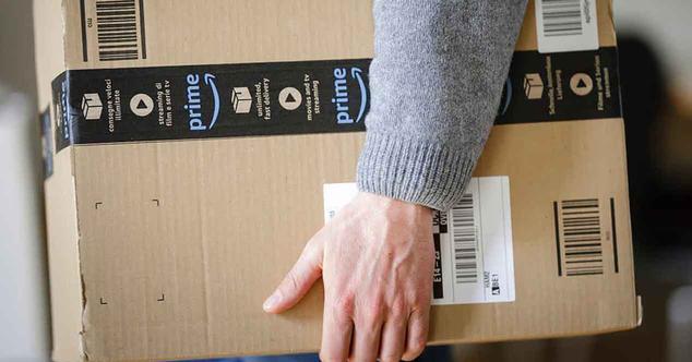 Ver noticia 'Amazon y Mapfre se alían: seguros para productos, taquillas en sus 3.000 oficinas y más'