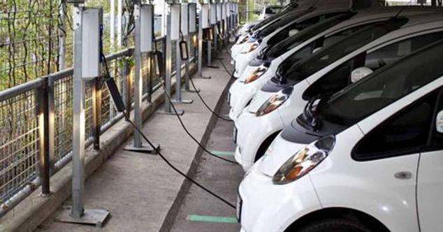 Ver noticia 'España no está preparada para el coche eléctrico: faltan el triple de puntos de recarga'