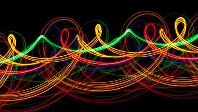 ¿Cuánta fibra tienen ahora mismo Movistar, Orange, Vodafone, MásMóvil y Digi?