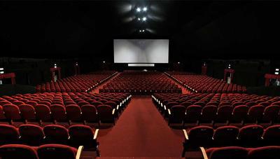 ¿Cómo evitan que se filtren en Internet los archivos de las películas que proyectan en los cines?