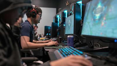 Cómo ocultar a qué estás jugando en Steam y Discord