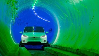 Elon Musk revela el primer túnel de The Boring Company: hasta 240 km/h