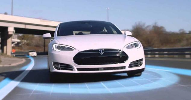 Ver noticia 'Tesla mejorará el GPS y hará que sus coches 'entiendan' rotondas y semáforos'