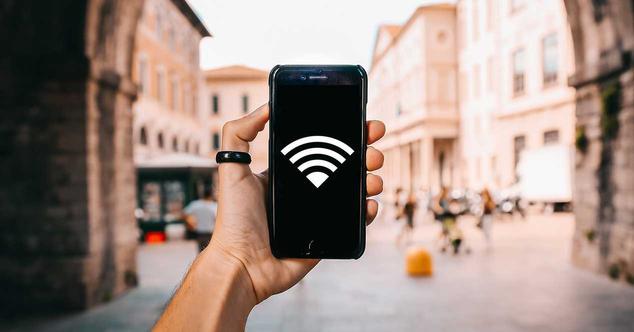 Ver noticia 'Por qué no es posible hackear una red WiFi con el móvil'