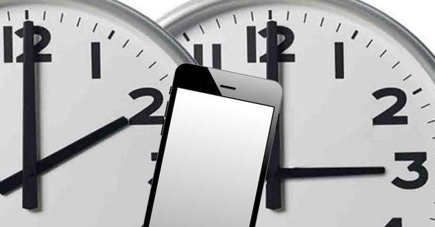 Ver noticia 'Cómo comprobar si tu móvil hará el cambio de hora automáticamente'